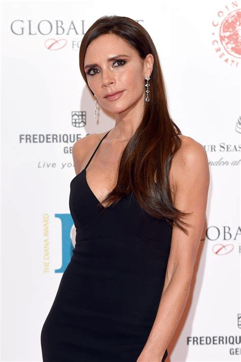 victoria beckham cut her hair celebrating the return of