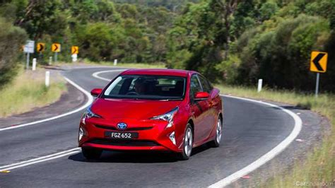 Toyota Recall Check News Toyota Recalls 304k Prius Hybrids For Brake Fault