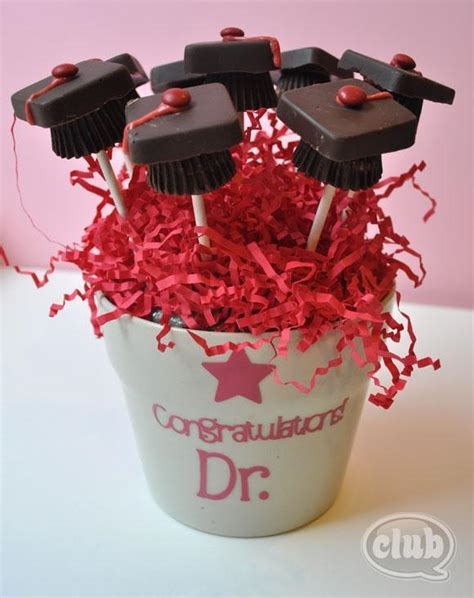 Chocolate Gift Coklat Ucapan Dgn Mini Buket selain bunga dan boneka kado kado ini bisa kamu berikan pada sahabatmu yang diwisuda