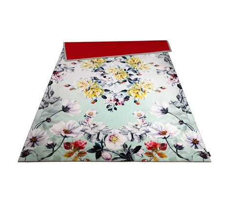 fuchsia rug couture fuchsia rug rugs designer rugs from moooi carpets architonic