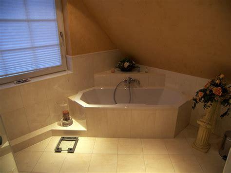 dusche dachschräge kleines bad deko eckwannen kleine b 228 der eckwannen kleine b 228 der and