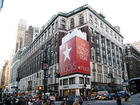 best christmas store nyc nyc s best stores for ornaments wreaths decorations more 171 cbs new york