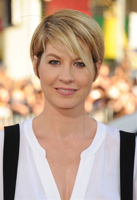dharmas haircut jenna elfman short cut with bangs short hairstyles