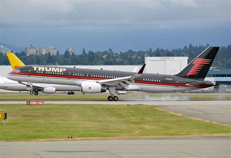 trump s plane step on board donald trump s plane boeing 757 wingsnews