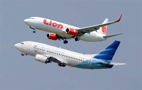 lion air vs wings air pesawat lion air group video garuda dan lion air nyaris tabrakan berita plat merah