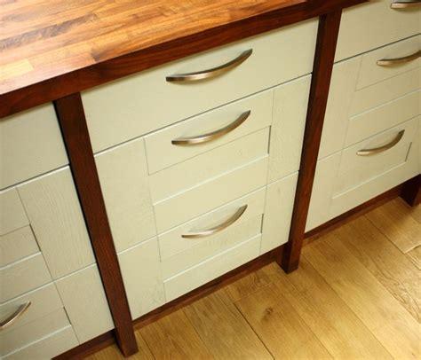 kitchen cabinet pelmet 9 best images about cornices pelmets pilasters corner