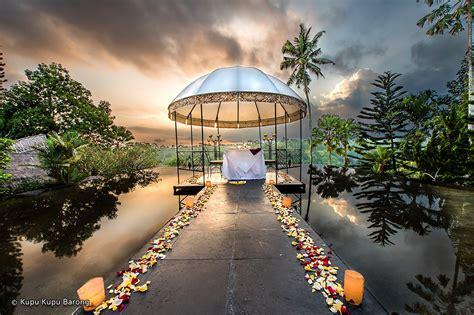 Villa Barong Bali Indonesia Asia la view restaurant at kupu kupu barong villas