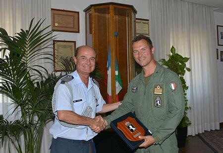 addetto ufficio sta roma visita dell addetto militare argentino al 4 176 stormo