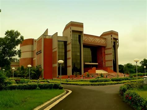 Distance Learning Executive Mba From Iim Calcutta by Iim Calcutta Placements 2015 Finance Sees 100 Offers
