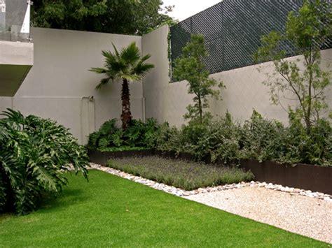 imagenes de jardines pequeños y bonitos jardines peque 241 os con piedras
