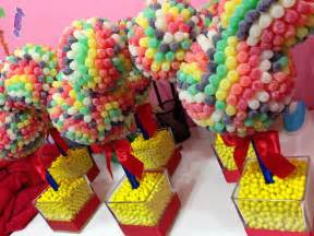 Fascinating tree shaped ornaments in amazing candy decoration ideas