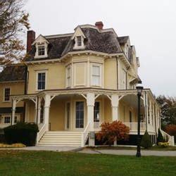 eisenhower house newport eisenhower house lieu b 226 timent historique 1 lincoln dr newport ri 201 tats
