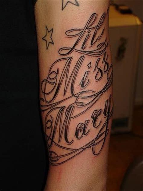 disegni tatuaggi lettere 93 tatuaggi e disegni di lettere e di scritte