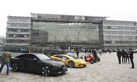 audi headquarters audi offices plants in germany raided by prosecutors amid