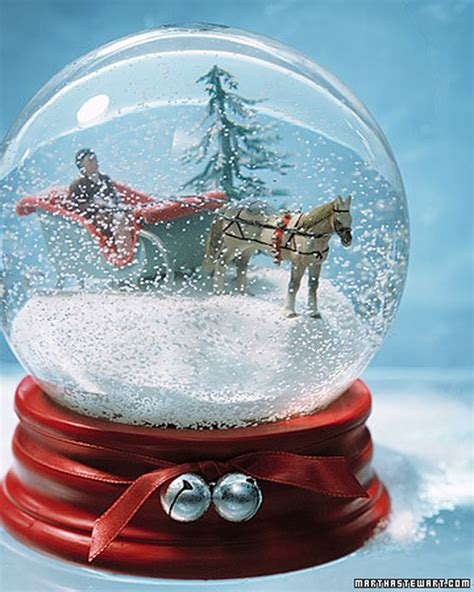 Handmade Globes - these 21 diy snow globes will you jolly all season