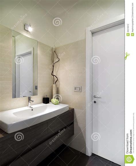 3d Interior Home Design by Banheiro Pequeno Moderno Fotografia De Stock Imagem