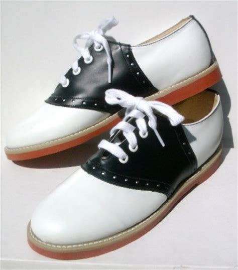 catholic school shoes 56 best images about catholic school uniforms on