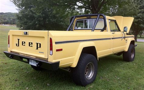 old yellow jeep jeep truck old file 1986 jeep j 10 pickup truck yellow 3