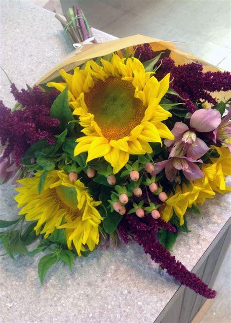 Sunflower Garden Ideas Sunflower Garden Bouquet August Garden Bouquets And Vase Designs Pinterest Gardens
