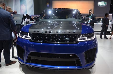 range rover svr engine carbon hood on range rover sport svr is popping in los