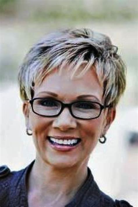 Pixie Hairstyles For 50 With Glasses by Pixie Hairstyles For With Glasses Cool