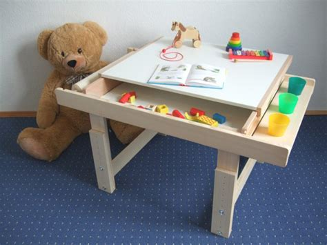 kinder basteltisch mit stauraum geschenk f 252 r kinder mitwachsender holztisch zum basteln