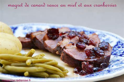 Impressionnant Cuisiner Un Magret De Canard #5: magret-canard-sauce-miel-cranberries-radis-rose-1.jpg