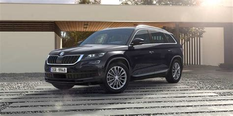 skoda kodiaq black skoda kodiaq priced at inr 34 49 lakh in india autobics