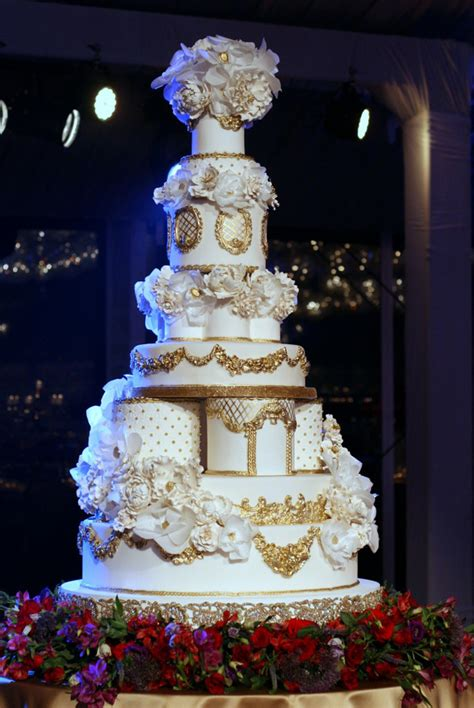 Luxury Wedding Cakes by 18 Wedding Cakes Your Guests Will Remember Preowned