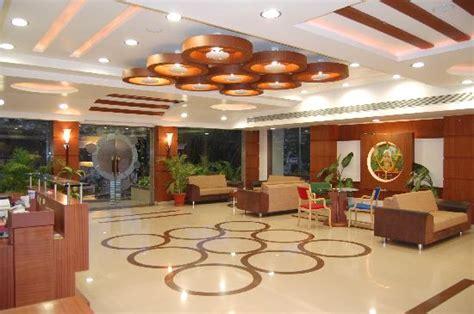 banquet ceiling designs lobby foto di hotel apna palace indore tripadvisor