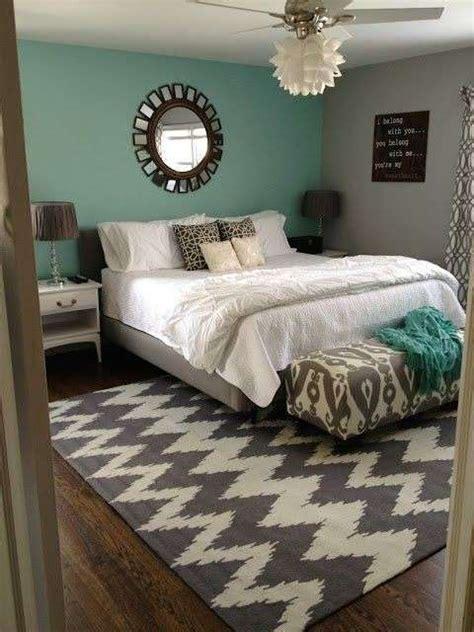 parete verde da letto da letto con parete verde