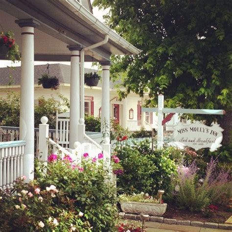 chincoteague bed and breakfast miss molly s inn on chincoteague a charming bed and