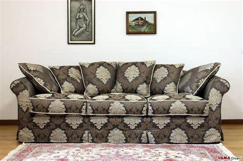 divani damascati divano in tessuto sfoderabile in stile classico ville