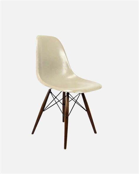 chaise herman miller chaise design eames herman miller greige gris beige
