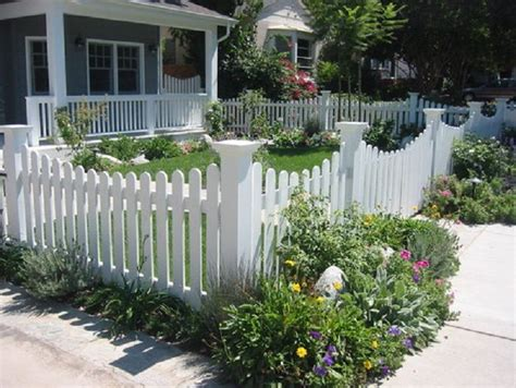 front yard fences pictures best 25 yard fencing ideas only on front yard