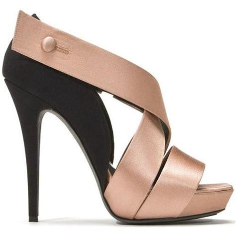 high heels shoe shop 09