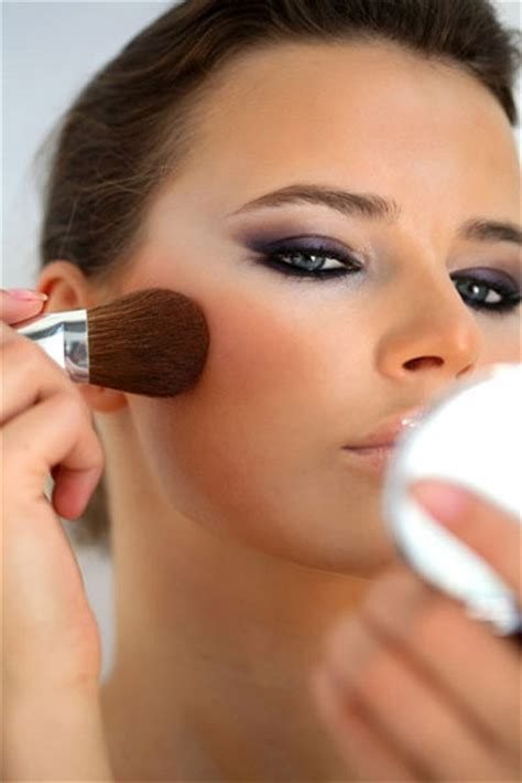 Harga Pac Martha Tilaar Contouring apply a blush 13 contouring tips from the