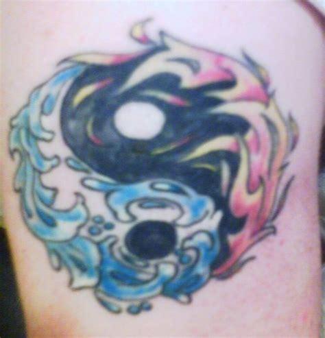 imagenes tatuajes yin yang 56 im 225 genes de tatuajes yin y yang