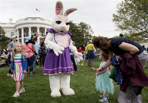 egg roll house trump and first lady welcome thousands for easter egg roll nbc news