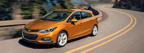 features of chevrolet cruze 2017 chevrolet cruze hatch compact car chevrolet canada