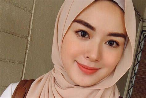 Eyeshadow Emas 5 cara makeup look ala hijabers korea moon