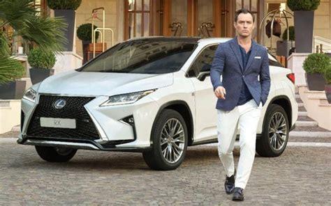 Car Lawyer In 5 by 9 Who Drive A Lexus Clublexus