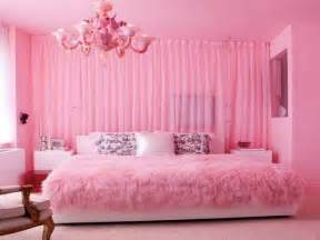 Ideas to use the bed sheets in your bedrooms interior