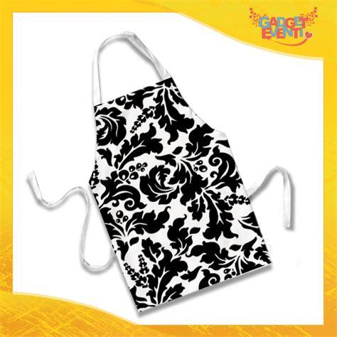 grembiule da cucina bianco grembiule da cucina personalizzato quot fiori bianco e nero
