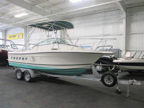 bayliner boat horsepower bayliner 2052 trophy walkaround boats for sale
