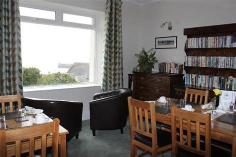 the cliff house dining room cliffhousebbsaundersfoot dining room of cliff house guest