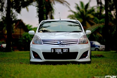 Spion Grand Livina Hws Gettinlow Erroy S 2013 Nissan Grand Livina