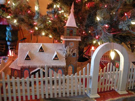 christmas tree gate antique tree fences golden glow