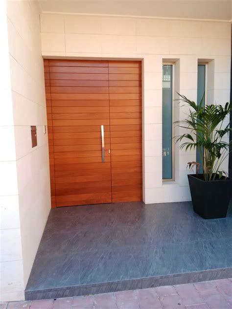 puertas de entradas de casas puertas para entrada de casa puertas de entrada pvc y