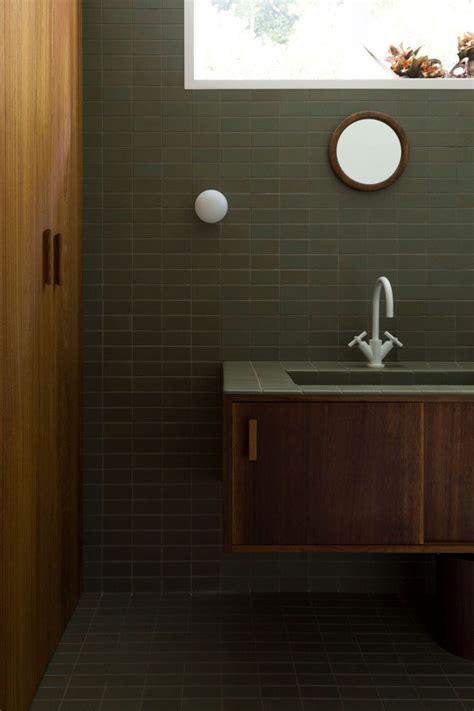 vintage tegels badkamer twee jaren 50 vintage stijl badkamers met mosgroene